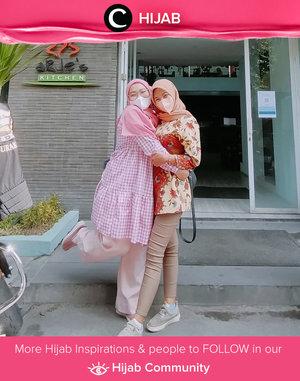 When you have different style but still managed to look good together. Image shared by Clozetter @nietta_vyo. Simak inspirasi gaya Hijab dari para Clozetters hari ini di Hijab Community. Yuk, share juga gaya hijab andalan kamu.