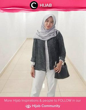 Back to basic with Clozetter @Tikarahmadhania. Simak inspirasi gaya Hijab dari para Clozetters hari ini di Hijab Community. Yuk, share juga gaya hijab andalan kamu.