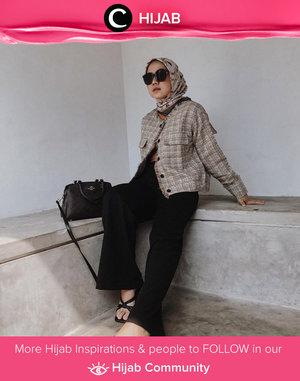 Lift up your look with tweed outerwear like Clozetter @nabilaaz. Simak inspirasi gaya Hijab dari para Clozetters hari ini di Hijab Community. Yuk, share juga gaya hijab andalan kamu.