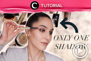 Tak perlu repot, kamu bisa membuat eye makeup maksimal hanya dengan satu warna eyeshadow, lho: https://bit.ly/3vMiRBY. Video ini di-share kembali oleh Clozetter @kyriaa. Lihat juga tutorial lainnya di Tutorial Section.