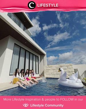 Clozetter @mgirl83 and her friends were enjoying their holiday in Alcola Boutique Villa, Malang. Simak Lifestyle Updates ala clozetters lainnya hari ini di Lifestyle Community. Yuk, share juga momen favoritmu.