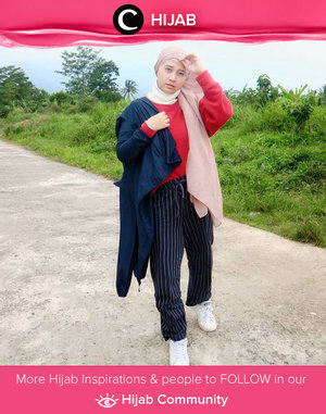 Terinspirasi dari Sivia Azizah, Clozetter @mchalisah tampil dengan style edgy namun tetap casual. Simak inspirasi gaya Hijab dari para Clozetters hari ini di Hijab Community. Yuk, share juga gaya hijab andalan kamu.