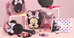 This Minnie Mouse Makeup Brush Collection Is So Cute, We're Squealing