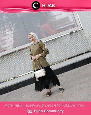 Another modest wear inspo with tunic, tutu skirt, and pretty sandals. Image shared by Clozetter @Nabilaaz. Simak inspirasi gaya Hijab dari para Clozetters hari ini di Hijab Community. Yuk, share juga gaya hijab andalan kamu.