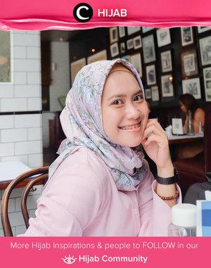 Pink pastel to celebrate the weekend! Happy Saturday, Clozetters! Image shared by Clozetter @ismahanchrnns. Simak inspirasi gaya Hijab dari para Clozetters hari ini di Hijab Community. Yuk, share juga gaya hijab andalan kamu.