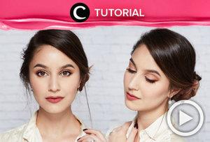 Ke kantor tidak akan terasa membosankan dengan tatanan rambut seperti dalam tutorial berikut ini http://bit.ly/2g1cB7L. Video ini di-share kembali oleh Clozetter: @zahirazahra. Cek Tutorial Updates lainnya pada Tutorial Section.