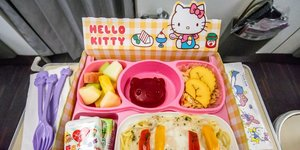 I Took a 14-Hour Flight on a Hello Kitty–Themed Airline
