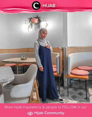 Put your striped top and sneakers on for a casual Sunday look. Image shared by Clozetter @ratnasrdw. Simak inspirasi gaya Hijab dari para Clozetters hari ini di Hijab Community. Yuk, share juga gaya hijab andalan kamu.