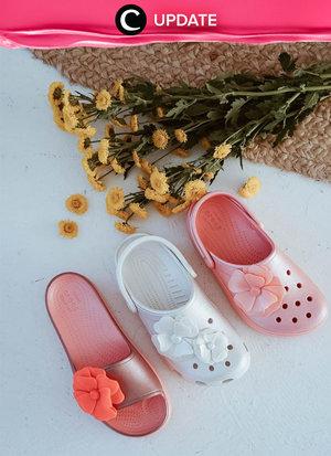 This iconic Crocs sandals are on sale! Lihat info lengkapnya pada bagian Premium Section aplikasi Clozette. Bagi yang belum memiliki Clozette App, kamu bisa download di sini https://go.onelink.me/app/clozetteupdates. Jangan lewatkan info seputar acara dan promo dari brand/store lainnya di Updates section.