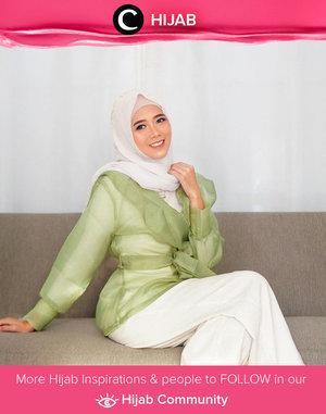 Organza outer styling ala Clozette Ambassador @diarykania. Simak inspirasi gaya Hijab dari para Clozetters hari ini di Hijab Community. Yuk, share juga gaya hijab andalan kamu.