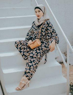 24 Inspirasi Casual Hijab Outfit untuk Upgrade Gaya Berpakaianmu!