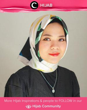 Ingin memakai hijab ber-pattern hari ini? Kamu bisa mengenakan pakaian polos dan tambahkan dainty accessories seperti kalung yang digunakan Clozetter @cicidesri. Simak inspirasi gaya Hijab dari para Clozetters hari ini di Hijab Community. Yuk, share juga gaya hijab andalan kamu.