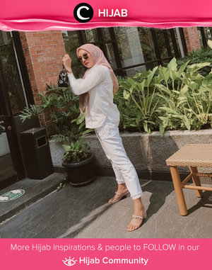 Make your Tuesday as easy as Monday morning with simple and comfortable outfit like Clozette Ambassador @prapancadf. Simak inspirasi gaya Hijab dari para Clozetters hari ini di Hijab Community. Yuk, share juga gaya hijab andalan kamu.