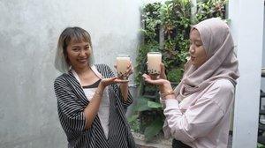 Walaupun baru habis gajian, tapi kalau bisa minum boba bareng keluarga tanpa menguras kantong, enak juga kan? � #ClozetteSquad @thiasoediro dan @dillafdiah memberikan resep mudah bikin boba kekinian di rumah! Mumpung weekend, yuk langsung cek di Youtube Channel Clozette Indonesia dan coba bikin juga http://bit.ly/bikinboba (link di bio).#ClozetteID #boba #bobamilk #bobakekinian #resepboba