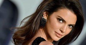 Kendall Jenner Just Gave the Tortoiseshell Nail-Art Trend a Fresh Spin For Summer
