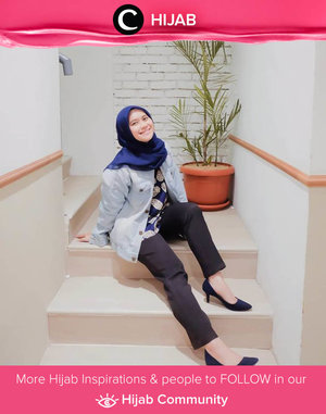 Add a touch of casual outerwear to work in style this Thursday. Selamat bekerja, Clozetters! Image shared by Clozetter @ismahanchrnns. Simak inspirasi gaya Hijab dari para Clozetters hari ini di Hijab Community. Yuk, share juga gaya hijab andalan kamu.