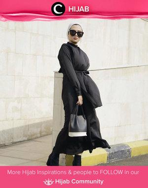 Clozette Ambassador @karinaorin shows us her cool mama style. Simak inspirasi gaya Hijab dari para Clozetters hari ini di Hijab Community. Yuk, share juga gaya hijab andalan kamu.