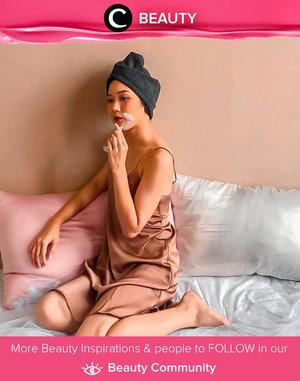 Simple me-time versi Clozetter @Elgrithe: Take a shower, use jade-roller for face massage, and sleep in her comfortable bed. Simak Beauty Update ala clozetters lainnya hari ini di Beauty Community. Yuk, share juga beauty ritual kamu bersama Clozette.