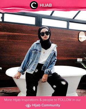 We're obsessed with this denim jacket and homie black pants! What do you think, Clozetters? Image shared by Clozette Ambassador @Karinaorin. Simak inspirasi gaya Hijab dari para Clozetters hari ini di Hijab Community. Yuk, share juga gaya hijab andalan kamu.
