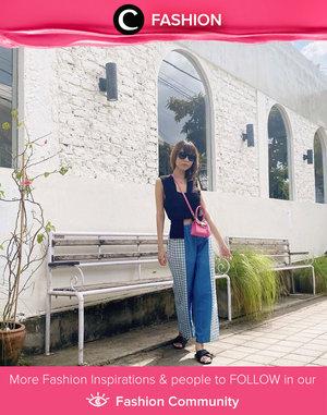 Always a stunner, Clozetter @isnadani wrapped in black sleeveless top and two-tone pants. Ps: we love both her style and her micro bag! Simak Fashion Update ala clozetters lainnya hari ini di Fashion Community. Yuk, share outfit favorit kamu bersama Clozette.