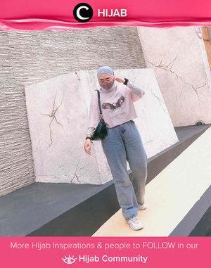 Clozetter @firdhajasmine shared her casual outfit style: long tees, loose jeans, and a patterned mask. Simak inspirasi gaya Hijab dari para Clozetters hari ini di Hijab Community. Yuk, share juga gaya hijab andalan kamu.