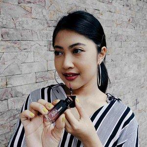 Lipstick merupakan item kecantikan yang selalu berkembang seakan tidak ada habisnya. Seperti yang sudah kamu ketahui, lipstick lokal terus bermunculan dengan inovasi formula dan kemasan yang unik salah satunya, Arra Beauty. Saat ini, Clozette berkesempatan untuk mencoba produk dari Arra Beauty. Penasaran seperti apa?Baca review selengkapnya di http://bit.ly/clozette-arrareview (LINK ON BIO)Download Clozette Indonesia App di Google Play dan dapatkan daily updates of Fashion, Beauty, Hijab, and Lifestyle. #ClozetteID #ClozetteIDReview