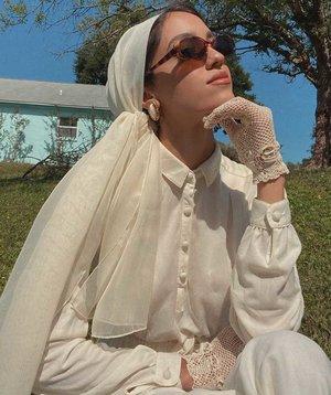 Yuk Intip Style Sallyomo, Hijabers dengan Outfit yang Vintage Abis