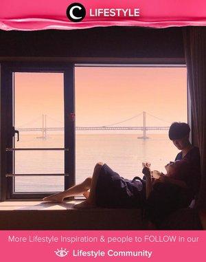 Jika berkesempatan mengunjungi Busan di Korea, kamu bisa memilih The Hound Hotel sebagai tempat untuk beristirahat yang nyaman dan sangat Instagrammable! Siap-siap untuk menikmati pemandangan sunset secantik yang dibagikan oleh Clozette Ambassador @soyankim ini!  Simak Lifestyle Updates ala clozetters lainnya hari ini di Lifestyle Community. Yuk, share juga momen favoritmu.
