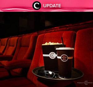 """Ada free snack nih setiap nonton di Cinemaxx! Kamu dapat lihat infonya pada bagian """"Premium"""" di aplikasi Clozette. Bagi yang belum memiliki Clozette App, kamu bisa download di sini http://bit.ly/app-clozetteupdate. Jangan lewatkan info seputar acara dan promo dari brand/store lainnya di Updates section."""