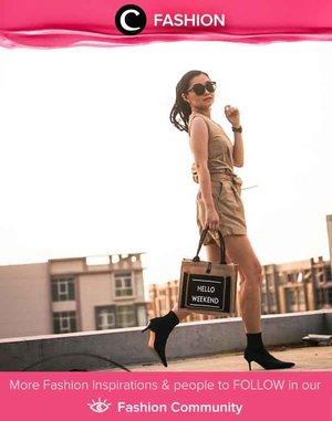 Hello, weekend! Clozetter @katherin menyambut akhir pekan dengan tas tangannya yang unik. Kalau kamu, aksesoris apa yang kamu gunakan menyambut weekend ini? Yuk, share juga bersama Clozette di Fashion Community.
