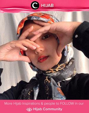 We love this dramatic pose by Clozette Ambassador @Imeldaaf! Simak inspirasi gaya Hijab dari para Clozetters hari ini di Hijab Community. Yuk, share juga gaya hijab andalan kamu.