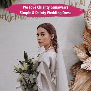 Simple & dainty vibes shine thru @chiantygunawan's wedding dress designed by @trisnahusodo with accessories by @tealabel.wedding & shoes by @winstonsmithlady. She look gorgeous & we love her look! . Anyway congratulation Chianty for your wedding. 👰🏻✨💕 . 📷 chiantygunawan #ClozetteID