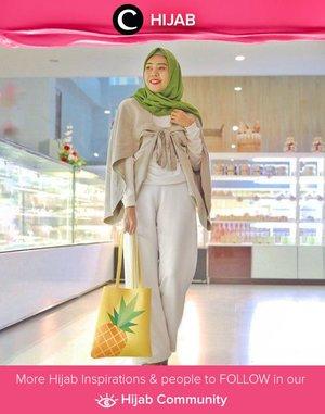 Weekend outfit idea: add a touch of green for a more playful neutral look. Image shared by Clozetter @zilqiah. Simak inspirasi gaya Hijab dari para Clozetters hari ini di Hijab Community. Yuk, share juga gaya hijab andalan kamu.