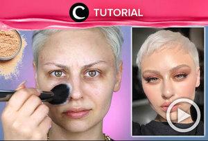 Sudah coba makeup trick viral menggunakan powder sebelum foundation? Intip tutorialnya di: https://bit.ly/31e8MAT. Video ini di-share kembali oleh Clozetter @ranialda. Lihat juga tutorial lainnya yang ada di Tutorial Section.