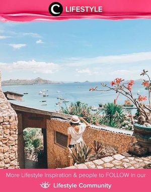 Ingin jalan-jalan ke bagian timur Indonesia? Kamu bisa mengawali trip-mu dengan berkunjung ke Labuan Bajo untuk menyaksikan keindahan seperti foto di atas. Image shared by Clozetter @lindaleenk. Simak Lifestyle Updates ala clozetters lainnya hari ini di Lifestyle Community. Yuk, share juga momen favoritmu.