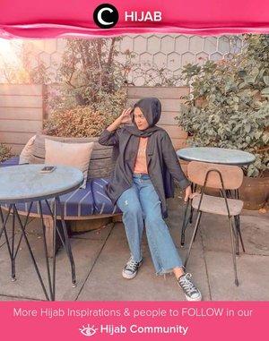 Weekend is here! Sambut dengan style casual ala Clozetter @tillagftr, yuk! Simak inspirasi gaya Hijab dari para Clozetters hari ini di Hijab Community. Yuk, share juga gaya hijab andalan kamu.
