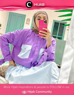 Penggemar warna-warna cerah, mana suaranya? Kamu bisa meniru style Clozetter @zilqiah dengan memadupadan warna powder blue dan lilac yang ceria. Simak inspirasi gaya Hijab dari para Clozetters hari ini di Hijab Community. Yuk, share juga gaya hijab andalan kamu.