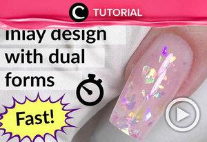 Percantik kukumu dengan nuansa glitter. Lihat tutorialnya di: http://bit.ly/2KsY3Mg. Video ini di-share kembali oleh Clozetter @kyriaa. Intip tutorial updates lainnya pada Tutorial Section.