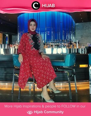 Elegant Batik formal look by Clozetter @zeynolivia.Bisa jadi inspirasi ke acara pernikahan malam ini, Clozetters! Simak inspirasi gaya Hijab dari para Clozetters hari ini di Hijab Community. Yuk, share juga gaya hijab andalan kamu.