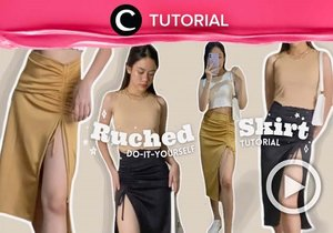 Calling all skirt lovers! You can now make your own ruched skirt at home with this video: https://bit.ly/3o2fdDA. Video ini di-share kembali oleh Clozetter @kyriaa. Lihat juga tutorial lainnya di Tutorial Section.