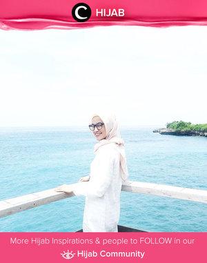 Big smile for the Friday! Image shared by Clozetter @regitakurniavi. Simak inspirasi gaya Hijab dari para Clozetters hari ini di Hijab Community. Yuk, share juga gaya hijab andalan kamu.