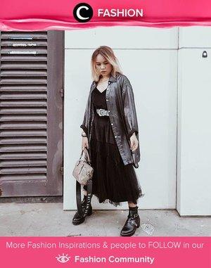 Black on black for an avant-garde Sunday look. Image shared by Clozetter @ubbyxx. Simak Fashion Update ala clozetters lainnya hari ini di Fashion Community. Yuk, share outfit favorit kamu bersama Clozette.