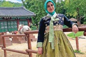 Padukan Hijab dan Hanbok, Tengok Gaya Fairuz A Rafiq di Korea
