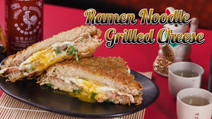 This ramen noodle grilled cheese recipe will give you so much dorm life nostalgia