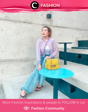 This season's must have: plaid knitted item! Image shared by Clozette Ambassador @reginabundiarti. Simak Fashion Update ala clozetters lainnya hari ini di Fashion Community. Yuk, share outfit favorit kamu bersama Clozette.