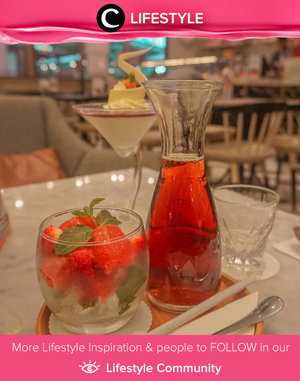 Calling all strawberry lovers! Ice Strawberry Tea-nya Bakerzin yang juga merupakan minuman favorit Clozetter @Larasatinesa wajib kamu coba. Lihat saja, kumpulan strawberry-nya yang segar dan menggiurkan ini. Yumm! Simak Lifestyle Updates ala clozetters lainnya hari ini di Lifestyle Community. Yuk, share juga momen favoritmu.