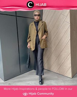 Boyish look ala Clozette Crew @astrityas. Simak inspirasi gaya Hijab dari para Clozetters hari ini di Hijab Community. Yuk, share juga gaya hijab andalan kamu.