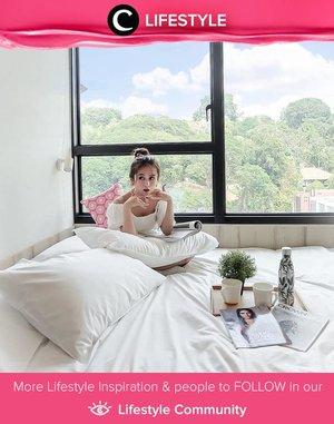 Clozette Ambassador @Silviamuryadi struck a pose in a white, cozy hotel room while traveling in Singapore. Simak Lifestyle Updates ala clozetters lainnya hari ini di Lifestyle Community. Yuk, share juga momen favoritmu.