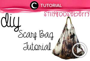 Terlihat stylish dan dapat memuat banyak barang, tas ini ternyata terbuat dari scarf, lho. Intip cara membuatnya di: http://bit.ly/2IKIBKH. Video ini di-share kembali oleh Clozetter @dintjess. Untuk lihat tutorial updates lainnya, klikTutorial section, ya.