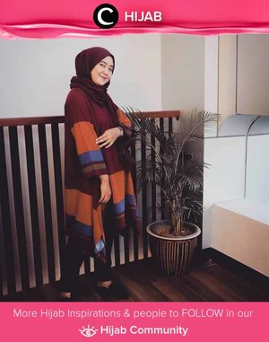 Blouse and a pair of jeans for a casual Friday. Simak inspirasi gaya Hijab dari para Clozetters hari ini di Hijab Community. Image shared by Star Clozetter @rhialita. Yuk, share juga gaya hijab andalan kamu.